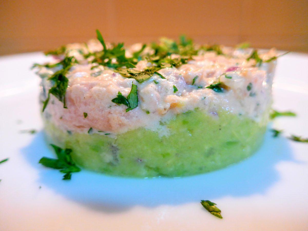 Tártaro de salmão com guacamole
