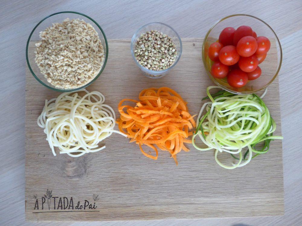 Esparguete à bolonhesa (Vegan e com noodles de vegetais)