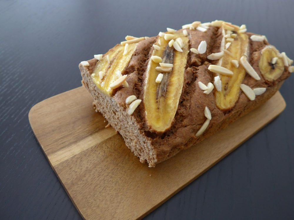 pão de banana e macarroba