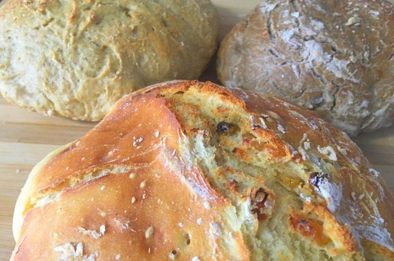 Vários tipos de pão fácil sem amassar